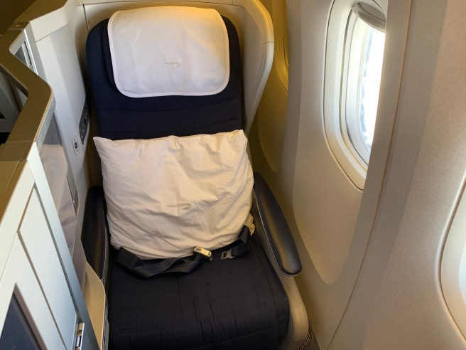 British Airways' Club World Seat Is NOT THAT BAD! – Young